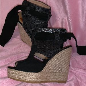 Suede, faux snake and woven wedge shoes. Sz 7